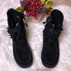 Ugg's black fringe moccasin Booties size 9